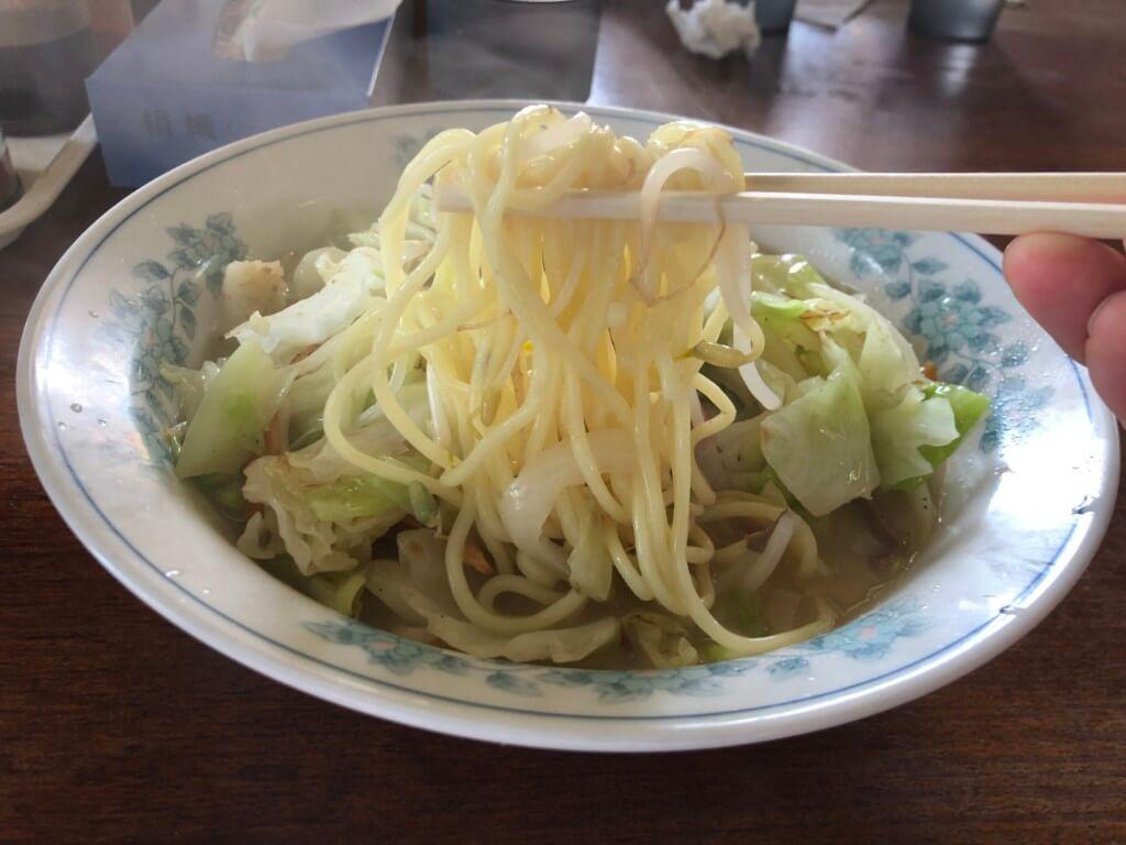 あづまラーメンのチャンポンの麺